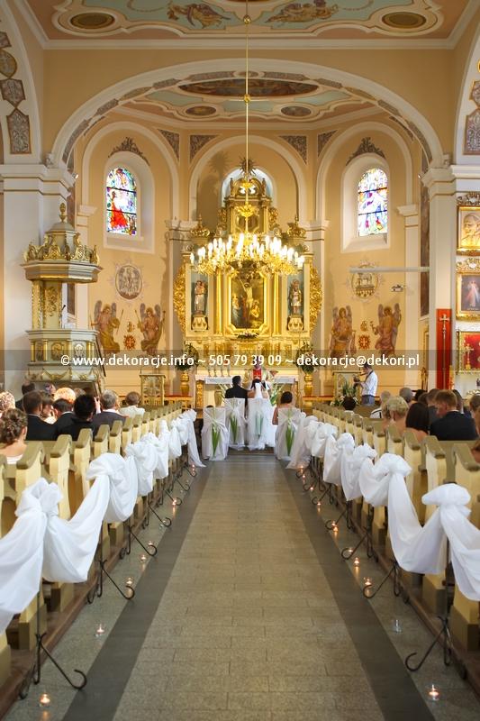 wystrój ślubny w kościele Rumia