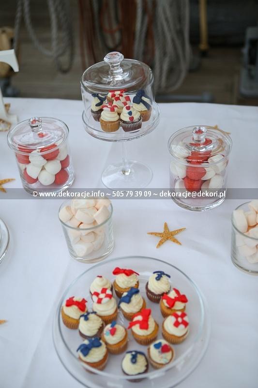 dekoracje ślubne bufetu na ślub