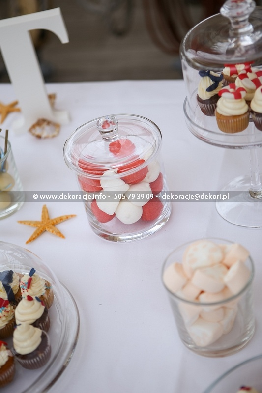 pianki lizaki babeczki słodki bufet