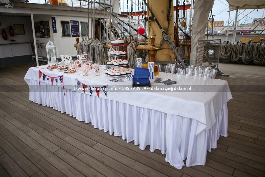 słodki bufet na ślubie