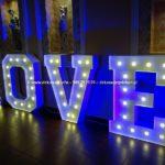 Podświetlany Napis LOVE Gdańsk Wesele | Litery z Żarówkami Ślub Gdynia | Sopot Trójmiasto