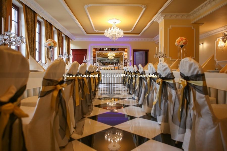 dekoracja ślubna sali rodowo
