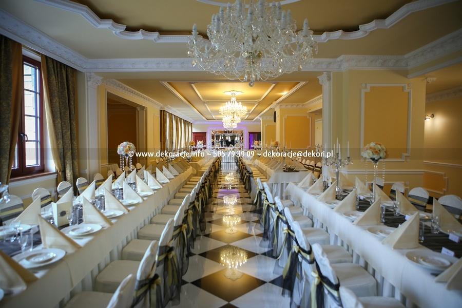 ślub wesele w pałacu w Rodowie